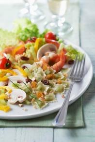 22-salade-coloree-aux-crevettes-et-ravioles-comte-bio-saint-jean